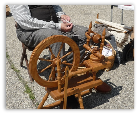 Elkhorn_Flea_Market_Spinning_Wheel_Demonstration
