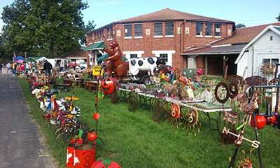 Pickers_Antique_Flea_Market_Monroe_WI