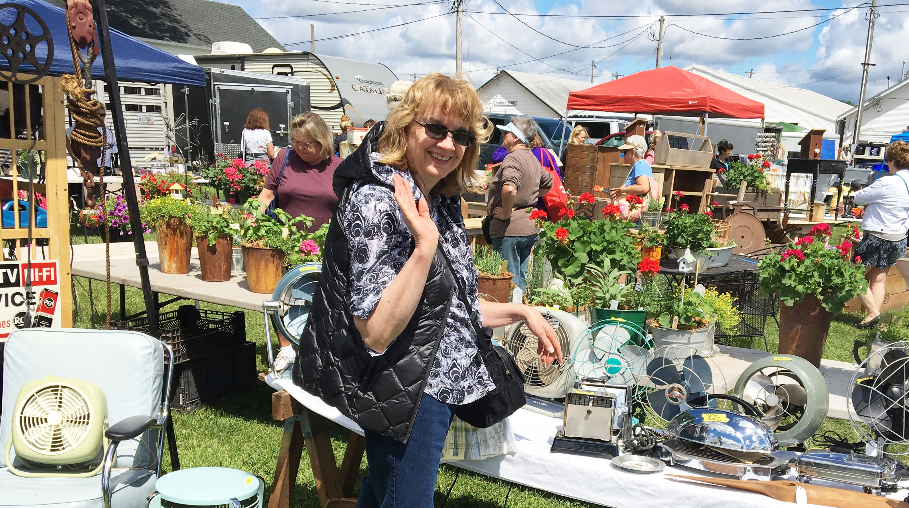 Wisconsin Antique Shops, Shows and Flea Markets